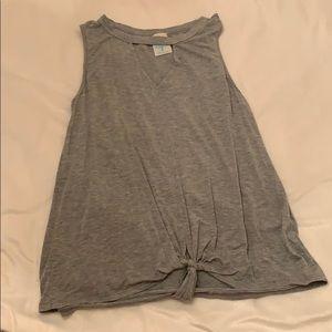 Grey sleeveless t shirt